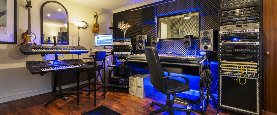 Image: affordably priced recording studio in east London.